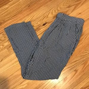 H&M Light Weight Cotton Cropped Pants Size M!